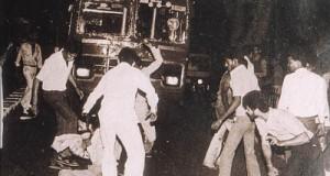 Sikh_man_surrounded_1984_pogroms