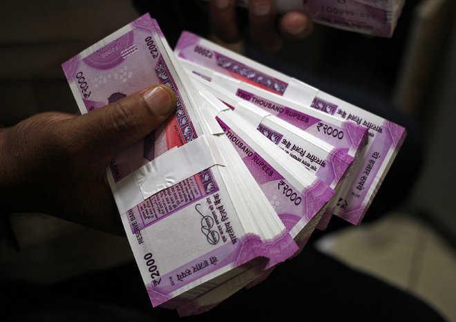 I-T warns against cash dealings of Rs 2 lakh; seeks tip-off